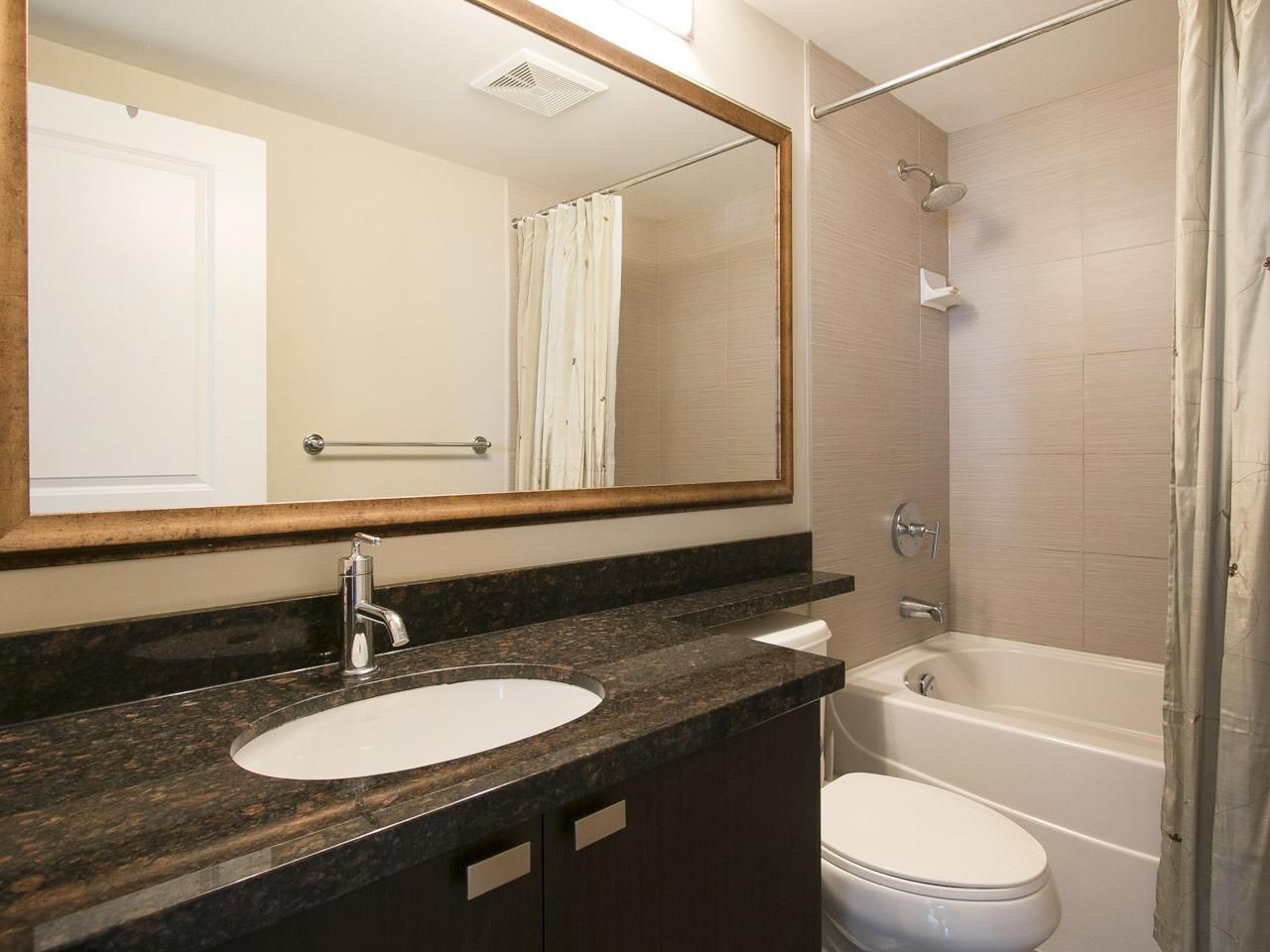 """Photo 5: Photos: 3003 888 CARNARVON Street in New Westminster: Downtown NW Condo for sale in """"Marinus at Plaza 88"""" : MLS®# R2199614"""