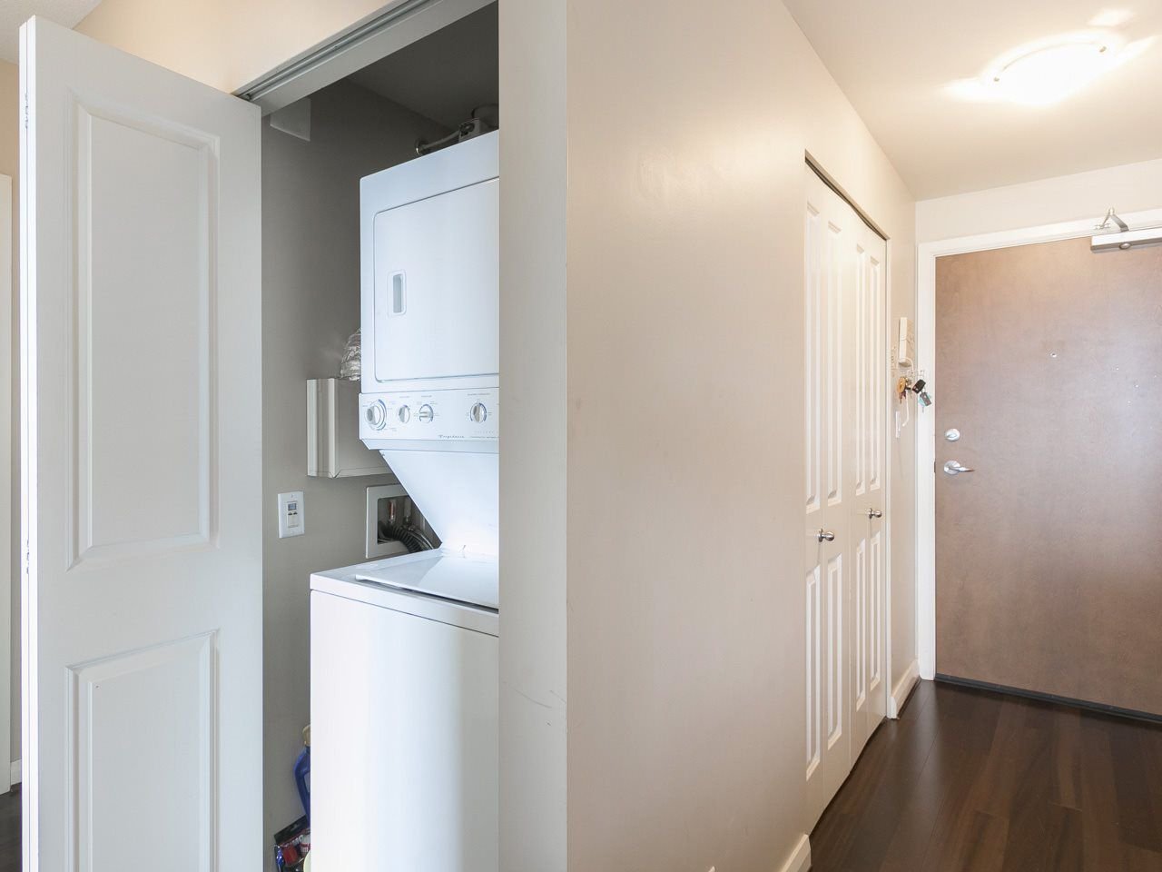 """Photo 8: Photos: 3003 888 CARNARVON Street in New Westminster: Downtown NW Condo for sale in """"Marinus at Plaza 88"""" : MLS®# R2199614"""