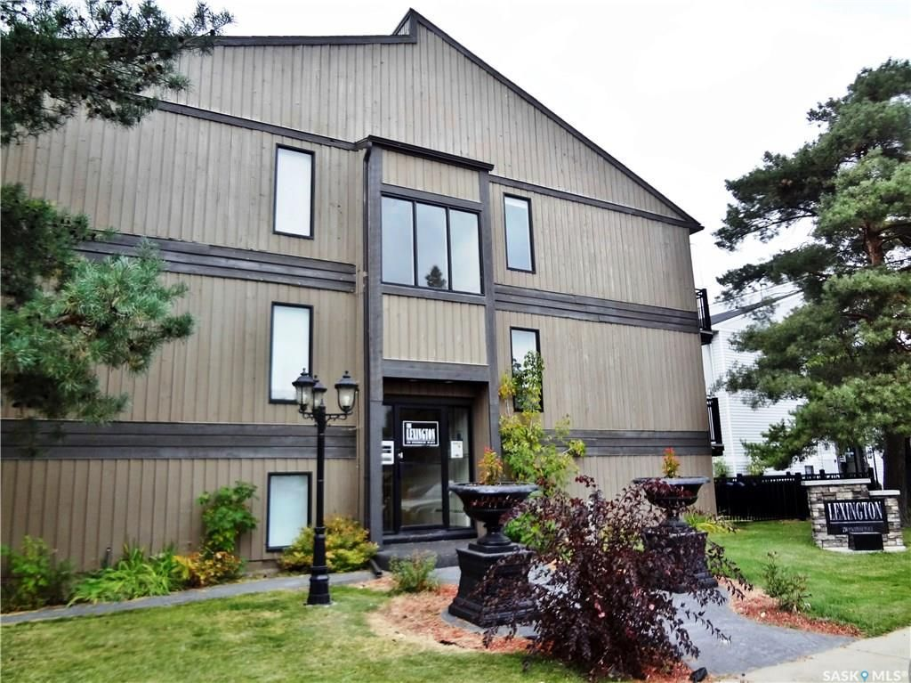 Main Photo: 304 250 Pinehouse Place in Saskatoon: Lawson Heights Residential for sale : MLS®# SK709478