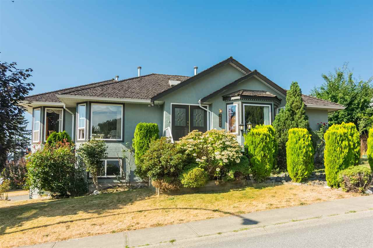 "Main Photo: 36381 COUNTRY Place in Abbotsford: Abbotsford East House for sale in ""Country Place"" : MLS®# R2295697"