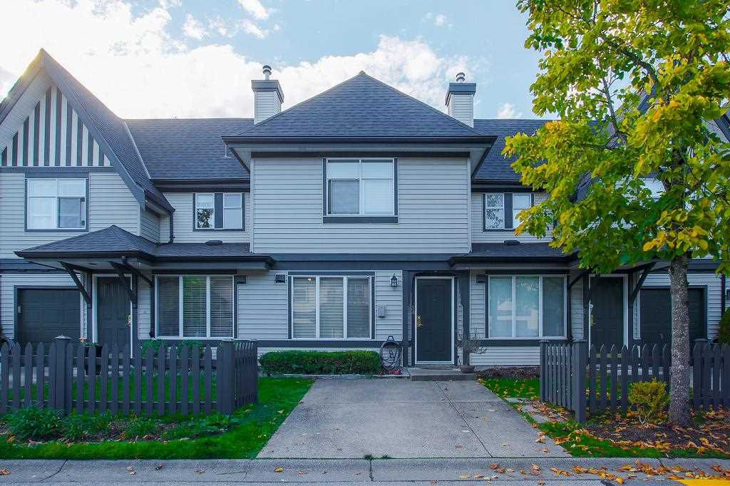 """Main Photo: 54 18883 65 Avenue in Surrey: Cloverdale BC Townhouse for sale in """"APPLEWOOD"""" (Cloverdale)  : MLS®# R2312470"""