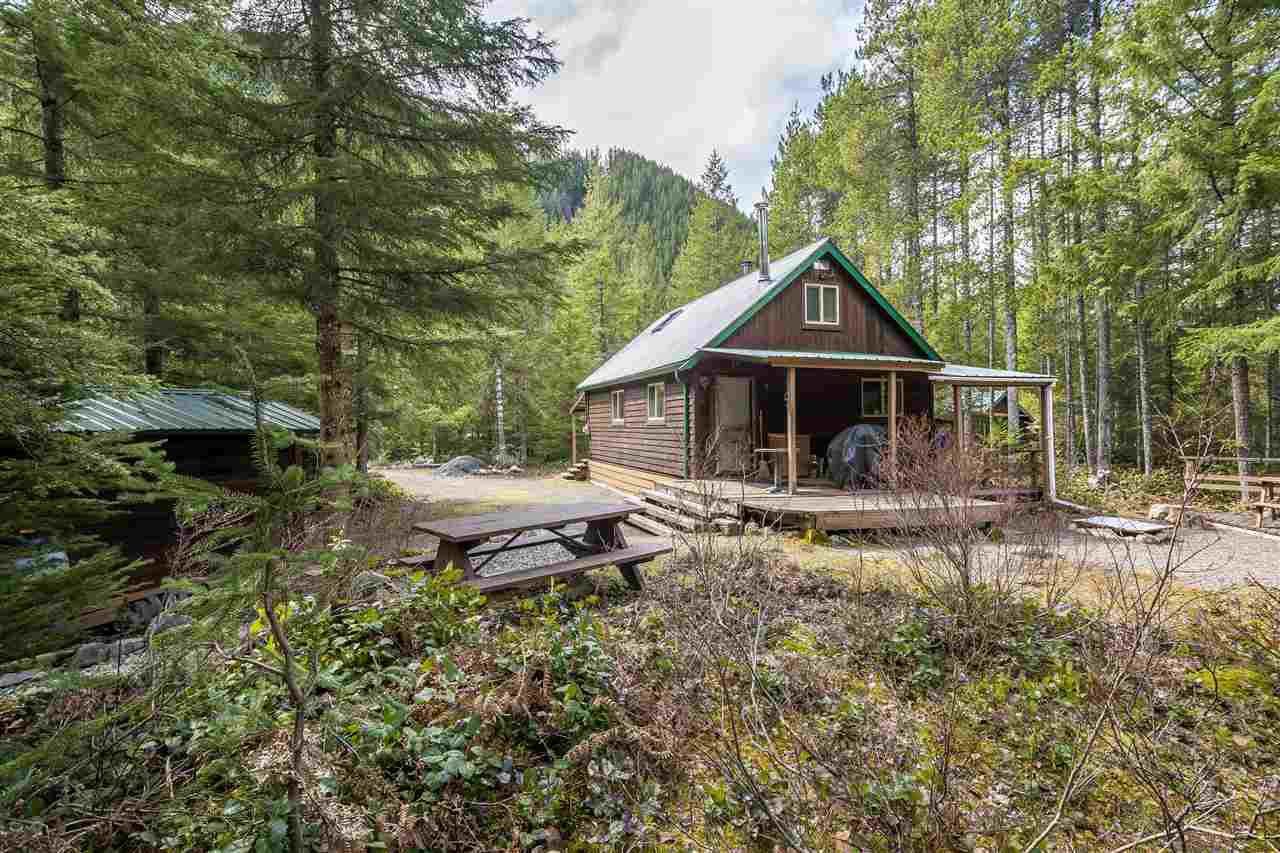 Main Photo: 5122 PAULSEN Road in Chilliwack: Chilliwack River Valley House for sale (Sardis)  : MLS®# R2363107