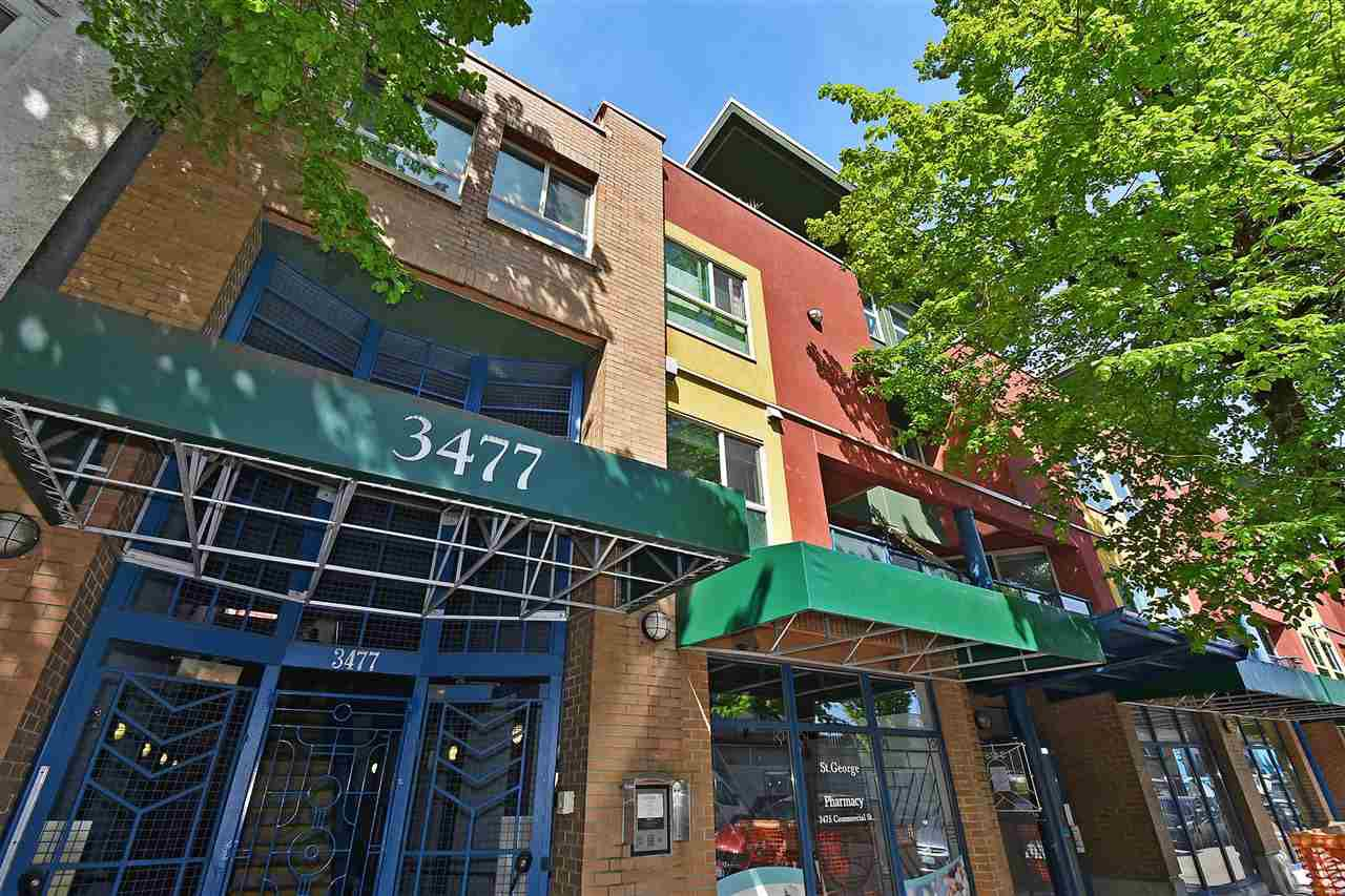 "Main Photo: 22 3477 COMMERCIAL Street in Vancouver: Victoria VE Townhouse for sale in ""LA VILLA"" (Vancouver East)  : MLS®# R2367597"