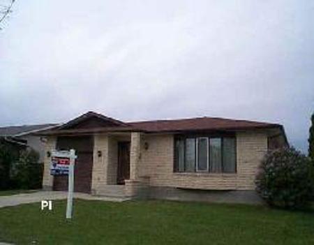 Main Photo: 19 Farlinger Bay: Residential for sale (Garden City)  : MLS®# 2607860