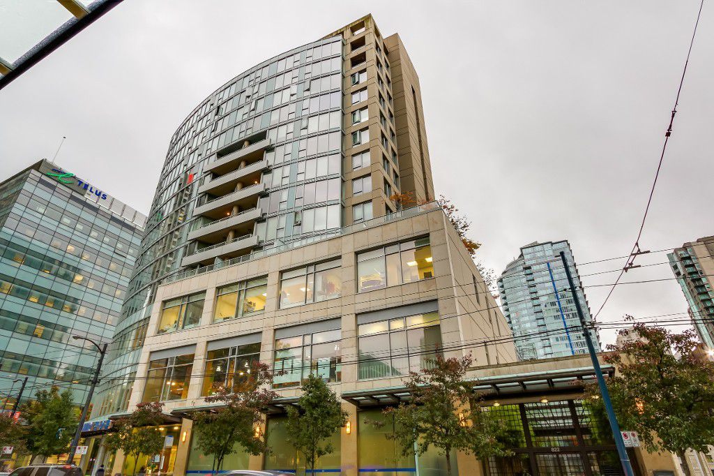 "Main Photo: 1202 822 SEYMOUR Street in Vancouver: Downtown VW Condo for sale in ""L'ARIA"" (Vancouver West)  : MLS®# V1091223"