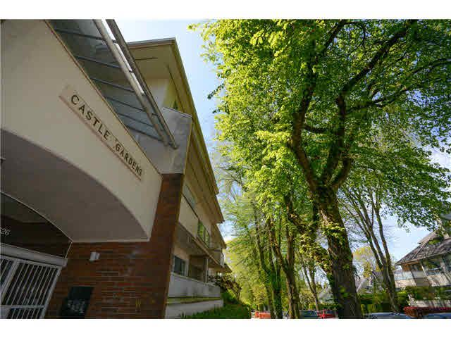 """Main Photo: 102 3626 W 28TH Avenue in Vancouver: Dunbar Condo for sale in """"Castle Gardens"""" (Vancouver West)  : MLS®# V1121831"""