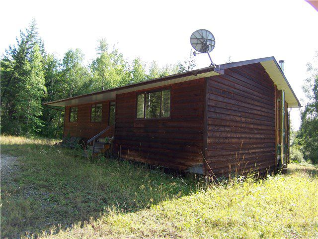 """Main Photo: 9540 ALPINE Drive in Prince George: Pineview House for sale in """"BUCKHORN"""" (PG Rural South (Zone 78))  : MLS®# N247824"""