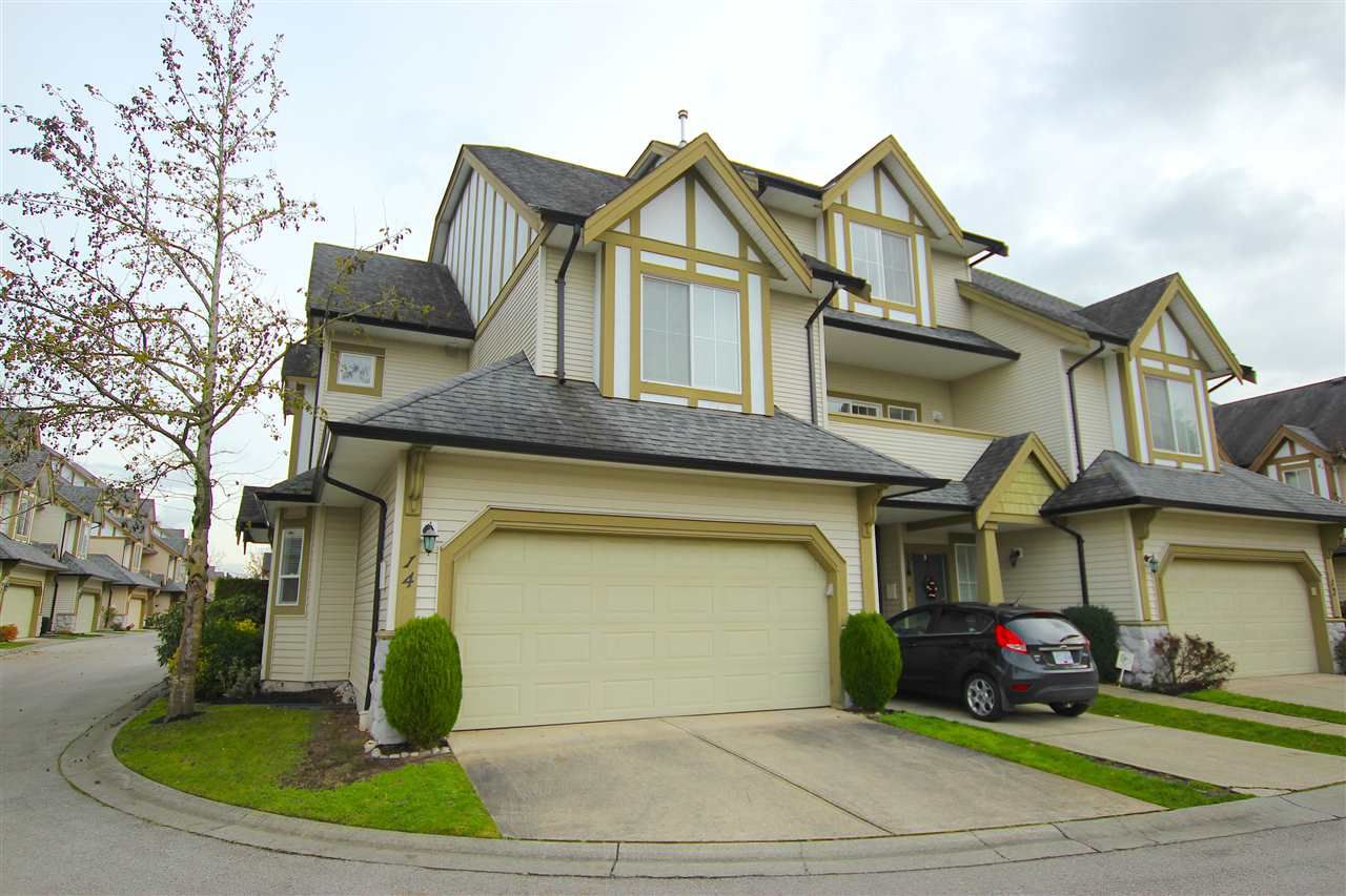 """Main Photo: 14 18707 65 Avenue in Surrey: Cloverdale BC Townhouse for sale in """"LEGENDS"""" (Cloverdale)  : MLS®# R2016279"""