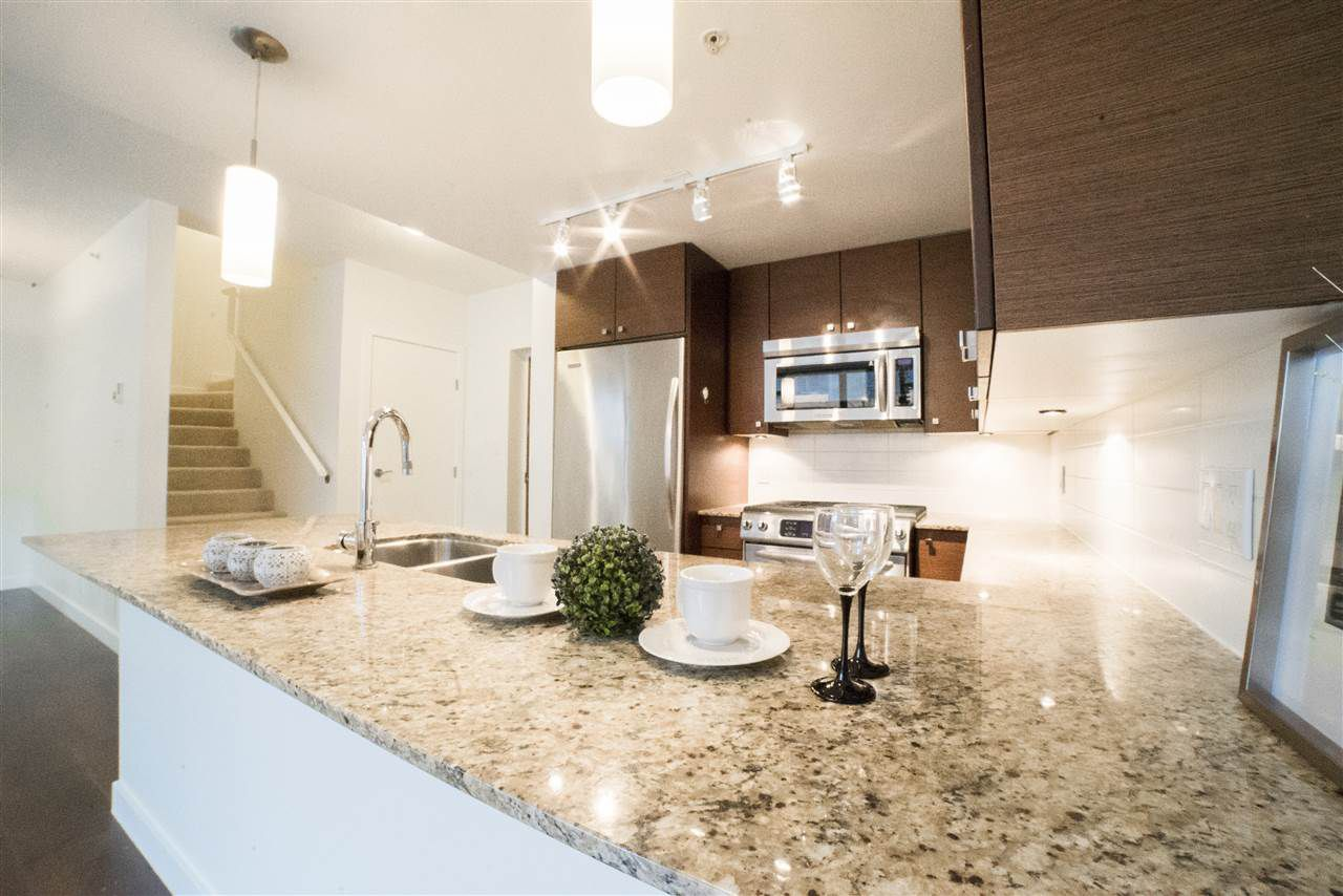 """Main Photo: 3 7360 ELMBRIDGE Way in Richmond: Brighouse Townhouse for sale in """"FLO"""" : MLS®# R2125863"""