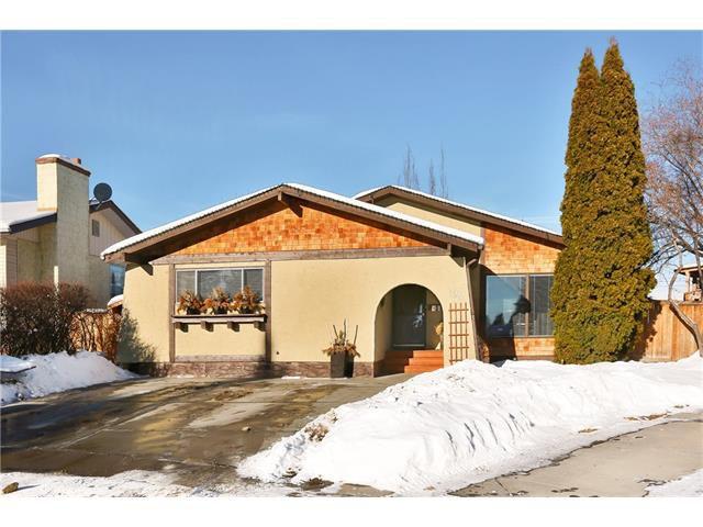 Main Photo: 124 CEDARPARK Green SW in Calgary: Cedarbrae House for sale : MLS®# C4094284