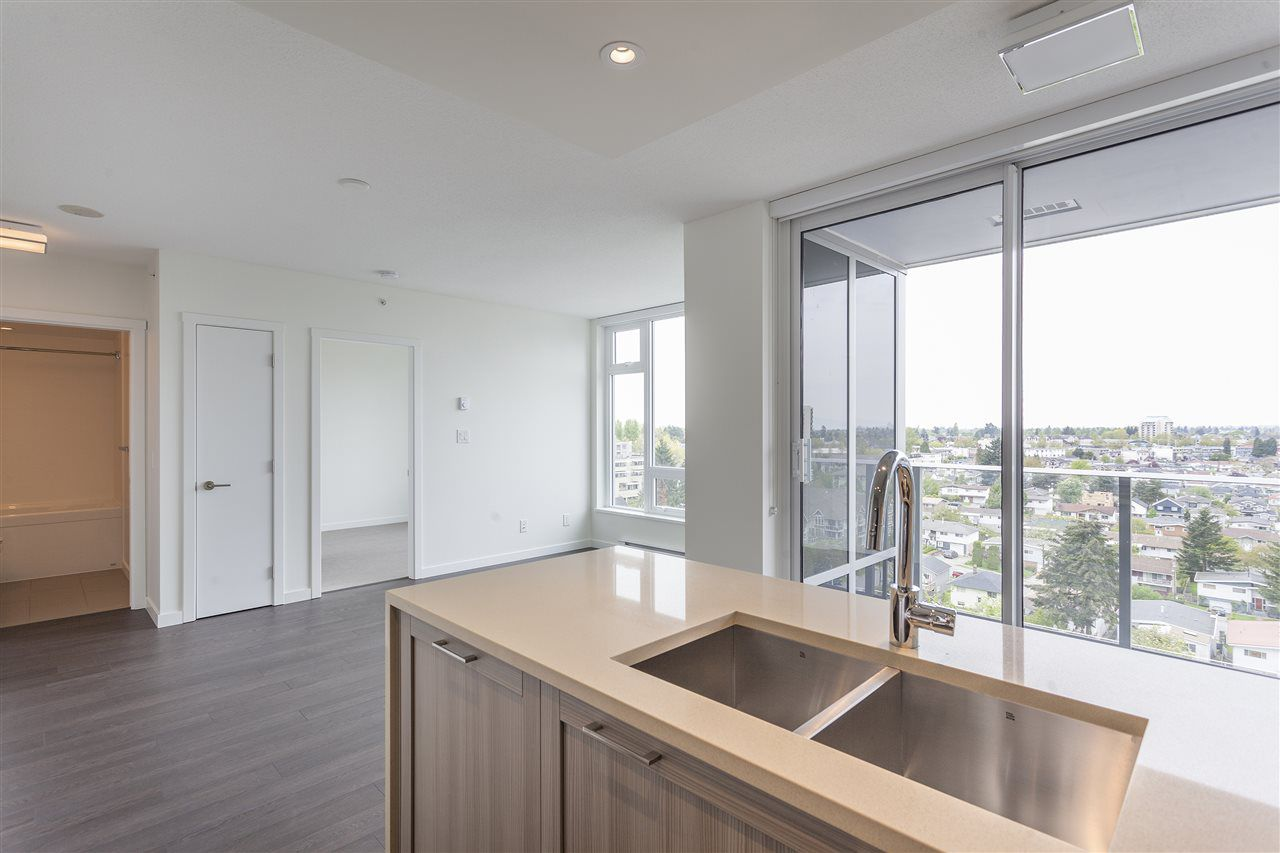 Main Photo: 1106 5665 BOUNDARY in Vancouver: Collingwood VE Condo for sale (Vancouver East)  : MLS®# R2165395