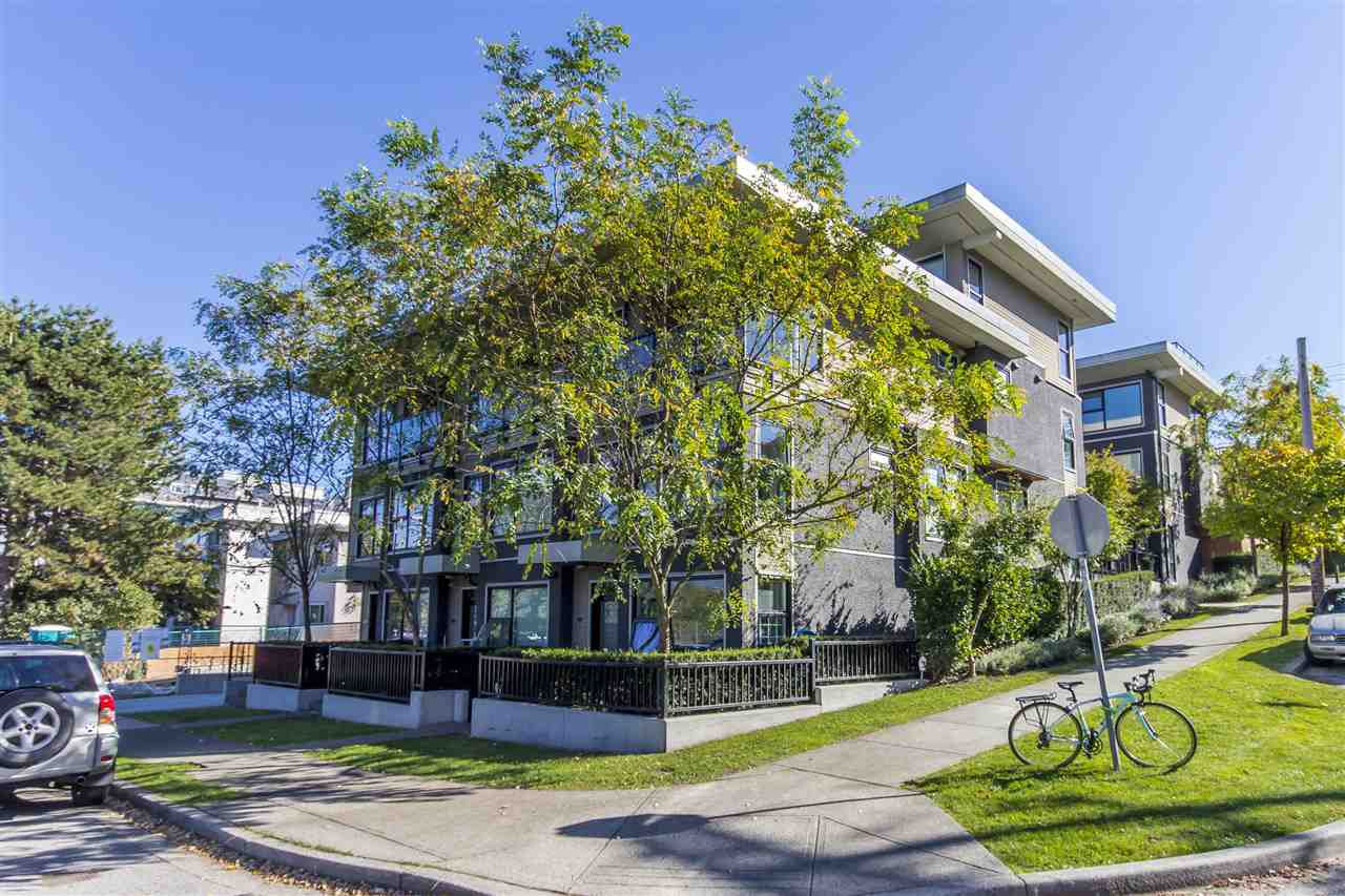"""Main Photo: 2318 WINDSOR Street in Vancouver: Mount Pleasant VE Townhouse for sale in """"7&W"""" (Vancouver East)  : MLS®# R2235412"""