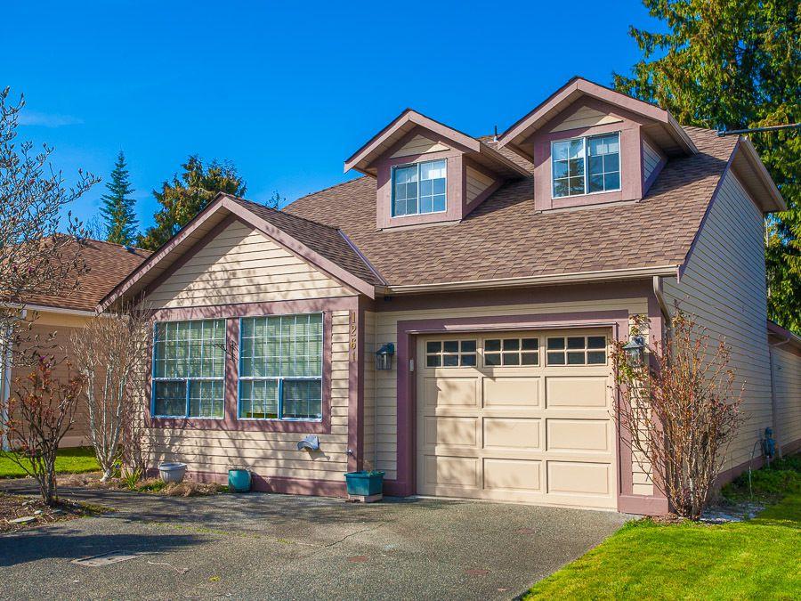 Main Photo: 1261 Oceanside Dr in Oceanside: House for sale : MLS®# 371991