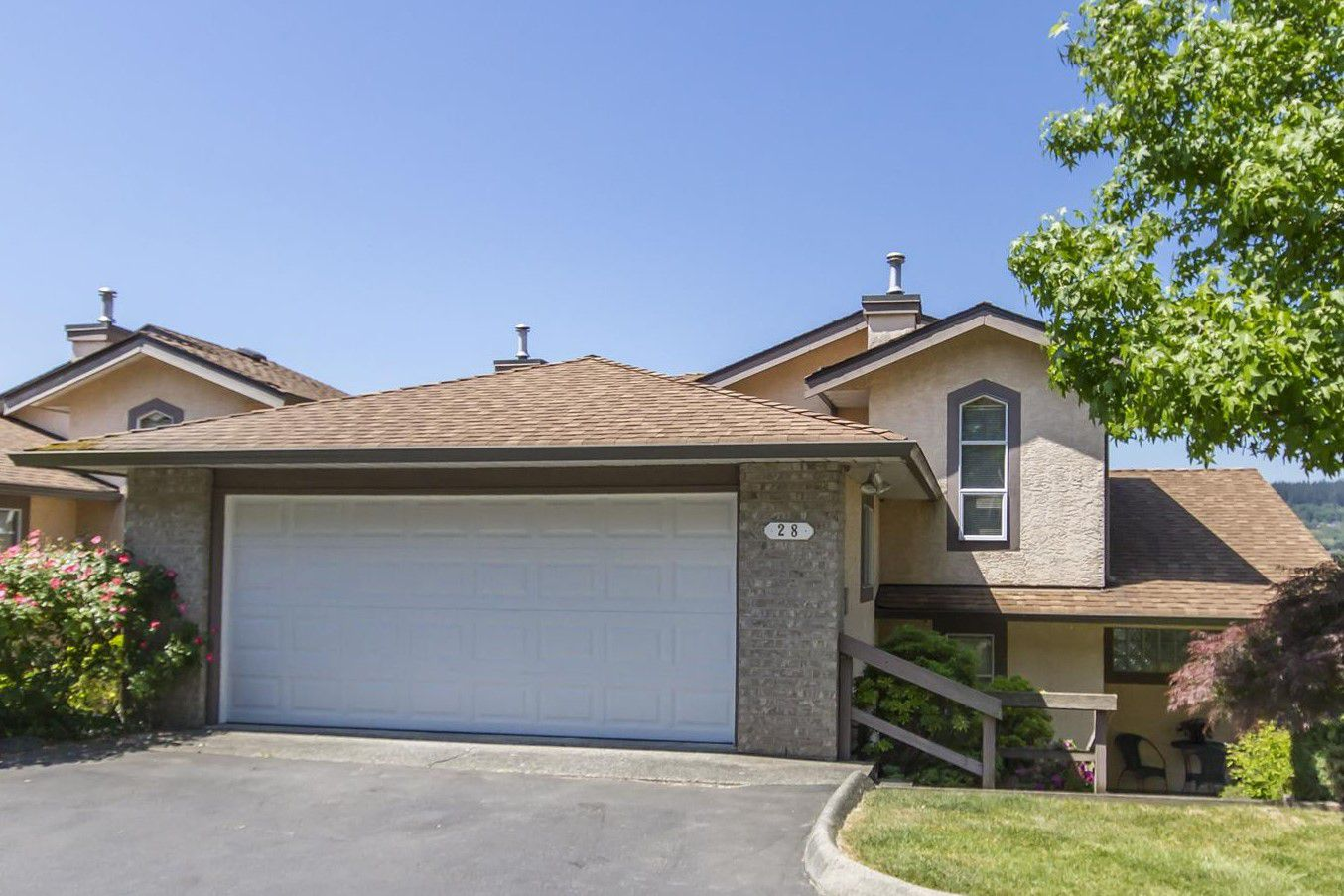"""Main Photo: 28 1238 EASTERN Drive in Port Coquitlam: Citadel PQ Townhouse for sale in """"PARKVIEW RIDGE"""" : MLS®# R2271710"""