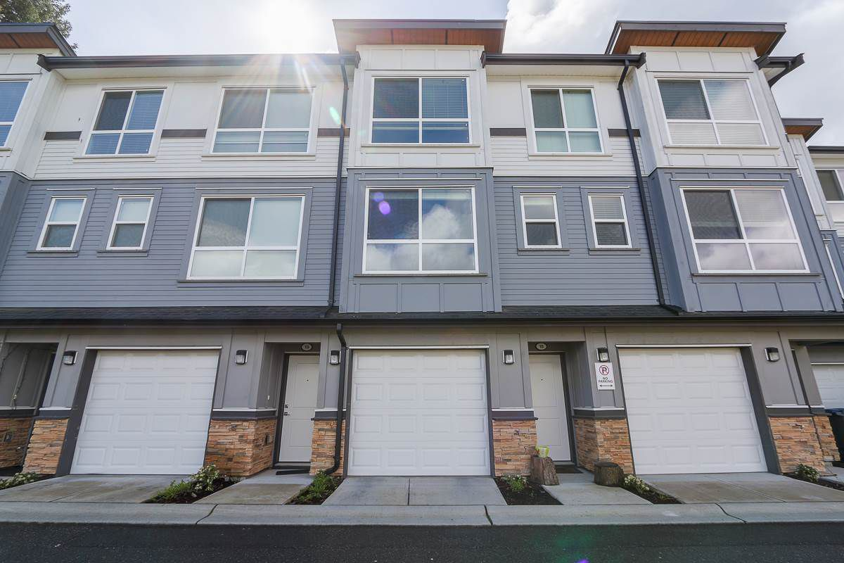 Main Photo: 18 6162 138 Street in Surrey: Sullivan Station Townhouse for sale : MLS®# R2346093