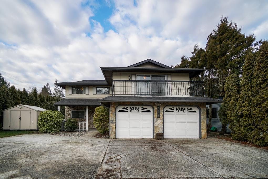 "Main Photo: 12301 209 Street in Maple Ridge: Northwest Maple Ridge House for sale in ""CHILCOTIN PARK"" : MLS®# R2352399"