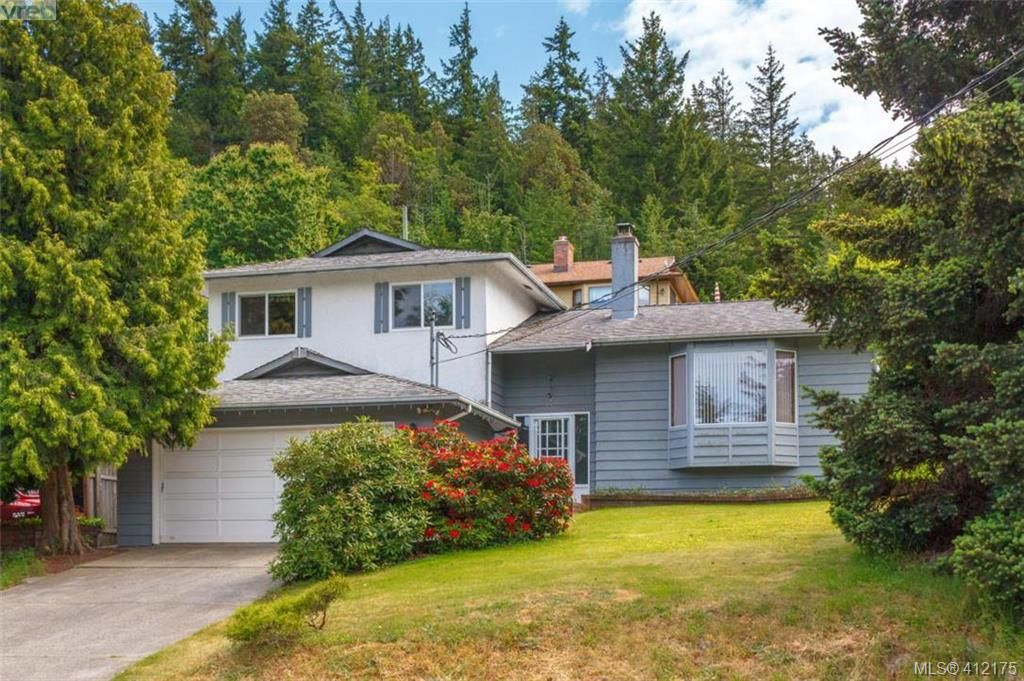 Main Photo: 845 Cecil Blogg Drive in VICTORIA: Co Triangle Single Family Detached for sale (Colwood)  : MLS®# 412175