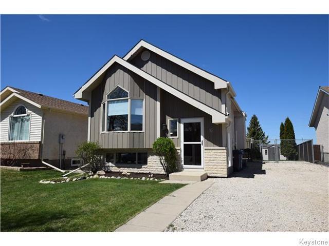 Main Photo: 16 Glencairn Road in Winnipeg: West Kildonan / Garden City Residential for sale (North West Winnipeg)  : MLS®# 1611616