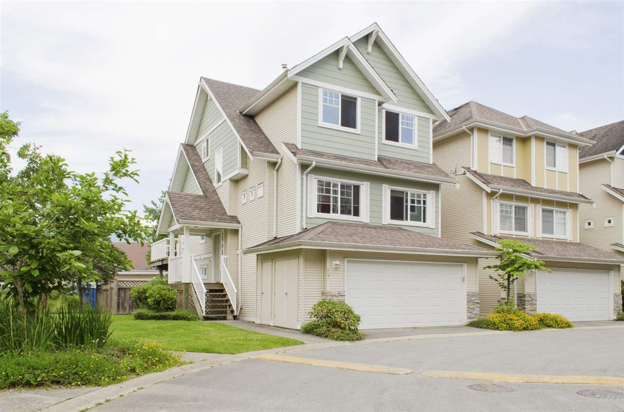 """Main Photo: 34 1108 RIVERSIDE Close in Port Coquitlam: Riverwood Townhouse for sale in """"HERITAGE MEADOWS"""" : MLS®# R2078711"""