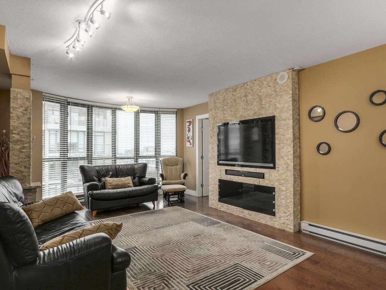 Main Photo: 1707 7380 ELMBRIDGE Way in Richmond: Brighouse Condo for sale : MLS®# R2120927