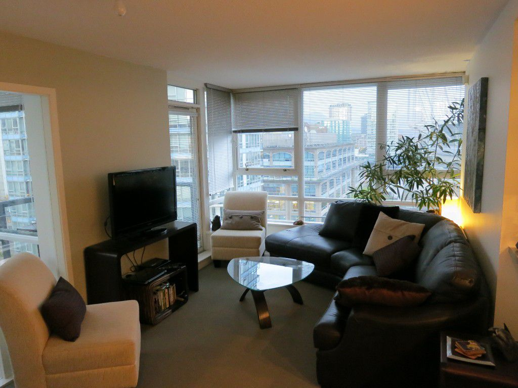 Main Photo: 1808 939 EXPO BOULEVARD in : Yaletown Condo for sale : MLS®# V1030828