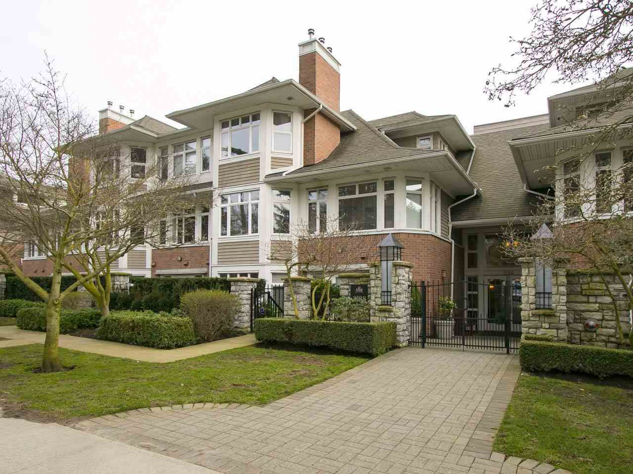 "Main Photo: 213 3188 W 41ST Avenue in Vancouver: Kerrisdale Condo for sale in ""LANESBOROGH"" (Vancouver West)  : MLS®# R2151692"