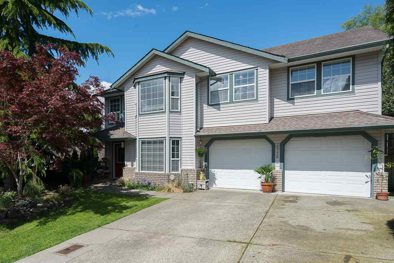 Main Photo: 35179 KOOTENAY Drive in Abbotsford: Abbotsford East House for sale : MLS®# R2236229