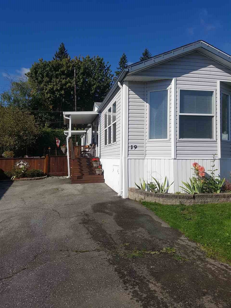 Main Photo: 19 9960 WILSON STREET in Mission: Stave Falls Manufactured Home for sale : MLS®# R2213959
