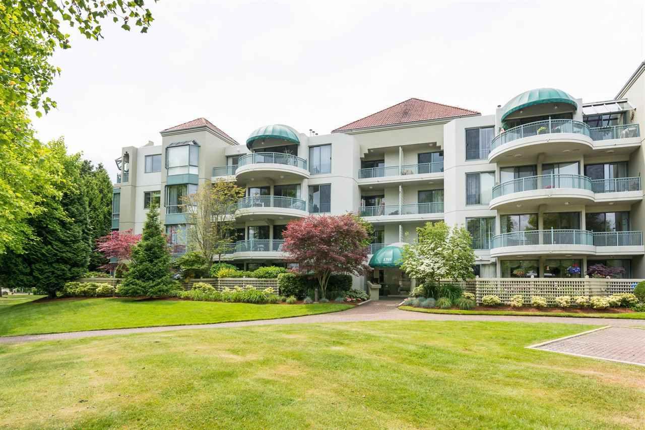 Main Photo: 404 1705 MARTIN Drive in Surrey: Sunnyside Park Surrey Condo for sale (South Surrey White Rock)  : MLS®# R2303776