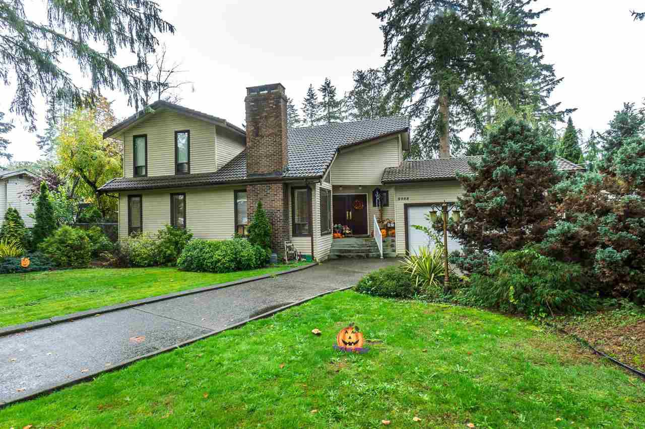 "Main Photo: 8988 ROYAL Street in Langley: Fort Langley House for sale in ""Fort Langley"" : MLS®# R2317989"
