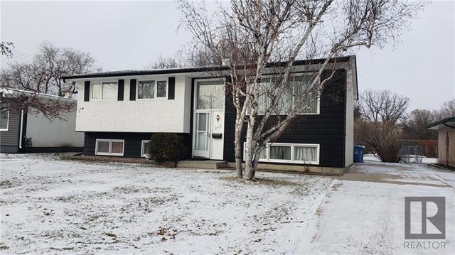 Main Photo: 202 Barron Drive in Winnipeg: Residential for sale (5G)  : MLS®# 1830044