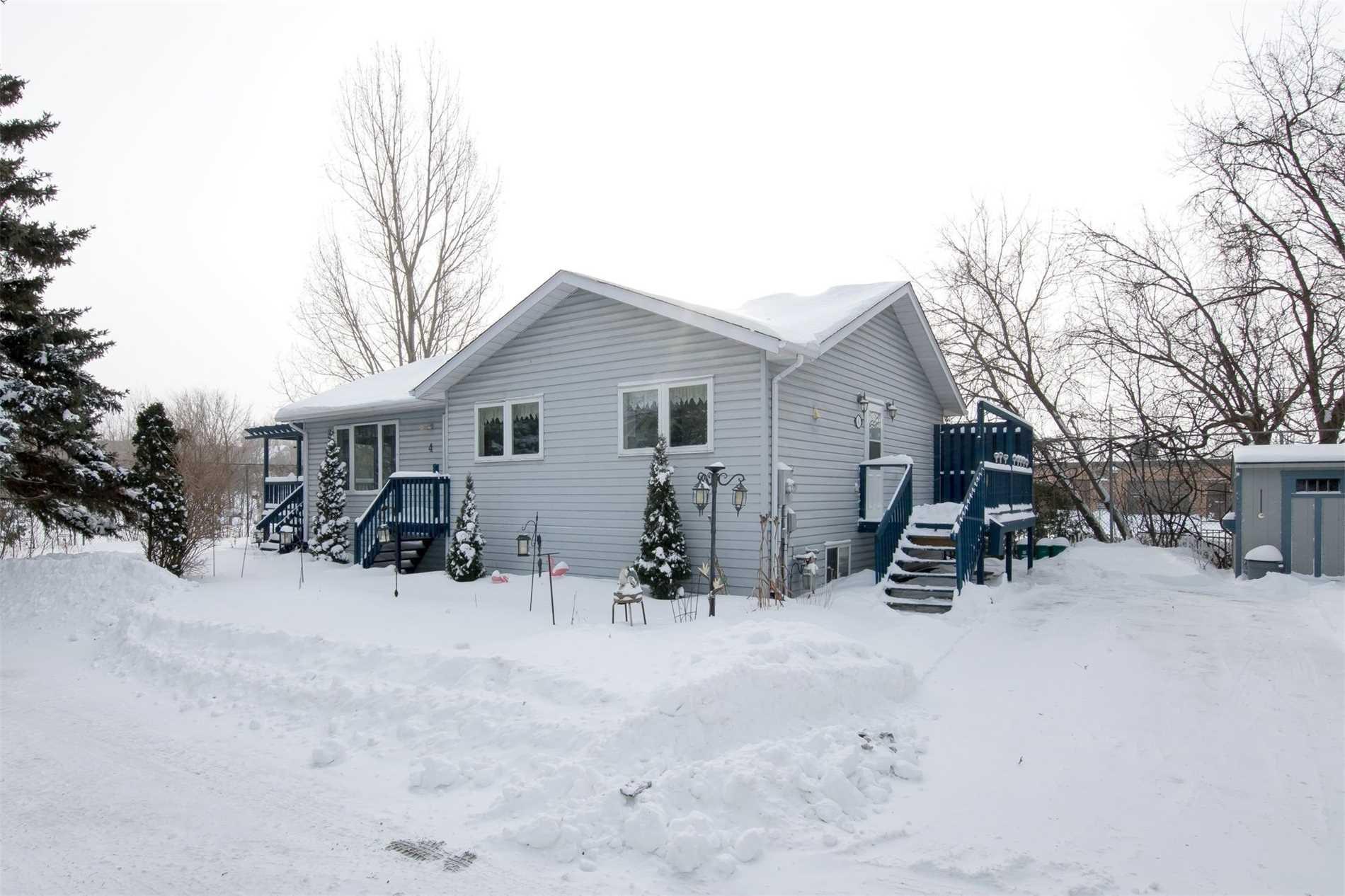 Main Photo: 4 Gifford Street: Orangeville House (Bungalow) for sale : MLS®# W4352378