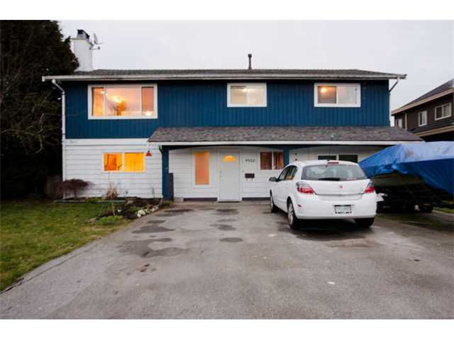 Main Photo: 4952 60A Street in Ladner: Holly House for sale : MLS®# V1043314