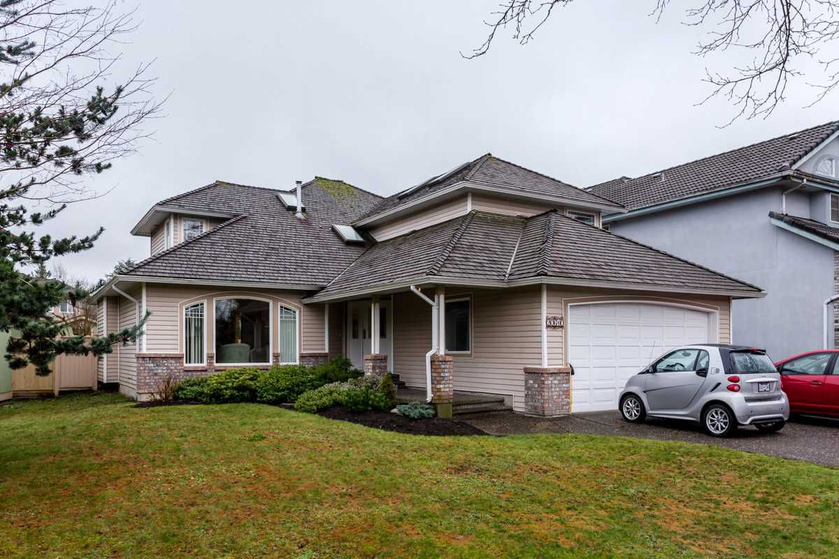 "Main Photo: 20610 90 Avenue in Langley: Walnut Grove House for sale in ""Forest Creek"" : MLS®# R2034550"