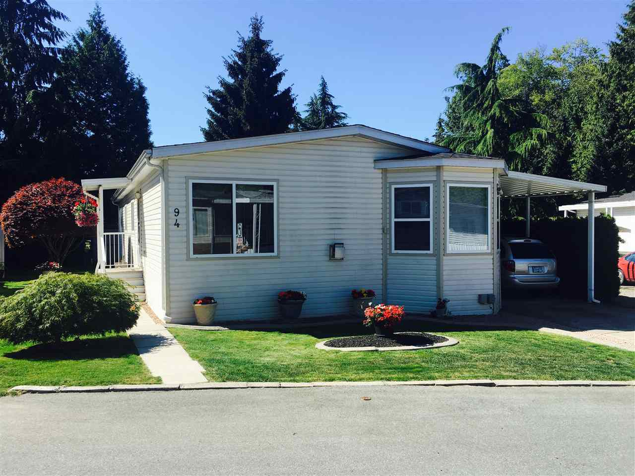 Main Photo: 94 24330 FRASER Highway in Langley: Otter District Manufactured Home for sale : MLS®# R2093550