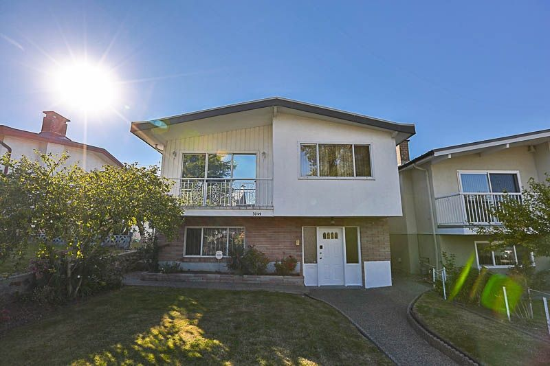 Main Photo: 3049 RENFREW Street in Vancouver: Renfrew Heights House for sale (Vancouver East)  : MLS®# R2211760