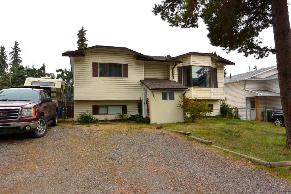 Main Photo: 3850 9th Avenue Smithers For Sale | Family Home with Location