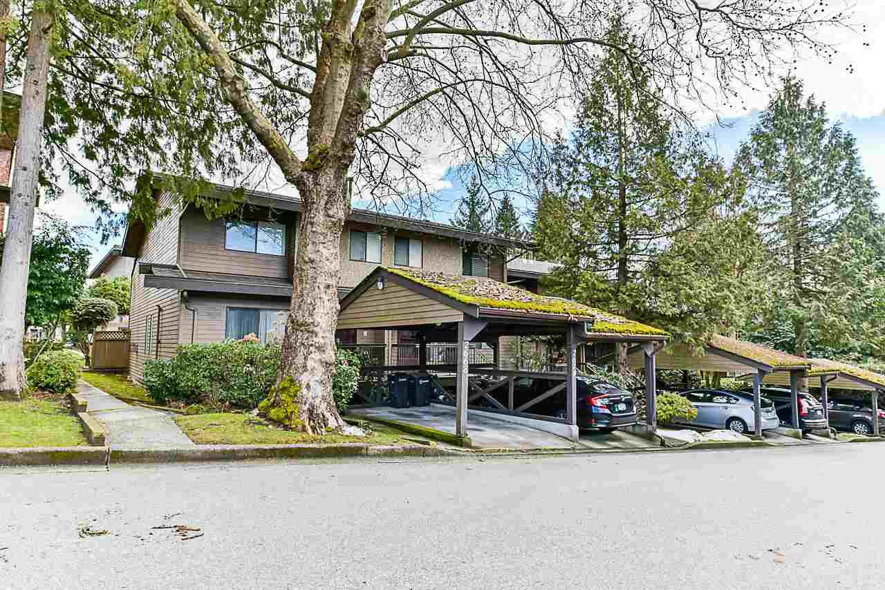 "Main Photo: 2668 MOORCROFT Court in Burnaby: Montecito Townhouse for sale in ""ELLERSLIE COURT"" (Burnaby North)  : MLS®# R2343243"