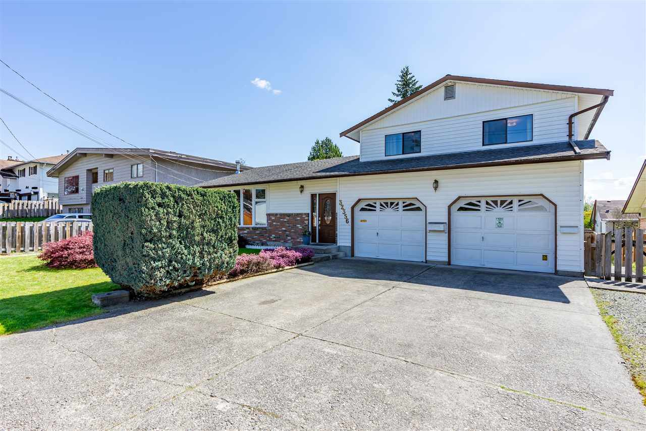 Main Photo: 32356 EMERALD Avenue in Abbotsford: Abbotsford West House for sale : MLS®# R2362451