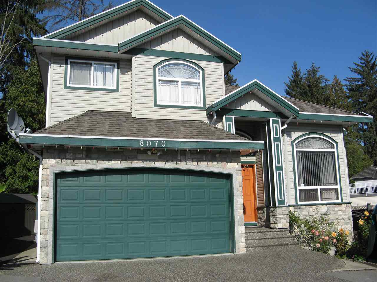 Main Photo: 8070 147 Street in Surrey: Bear Creek Green Timbers House for sale : MLS®# R2373859