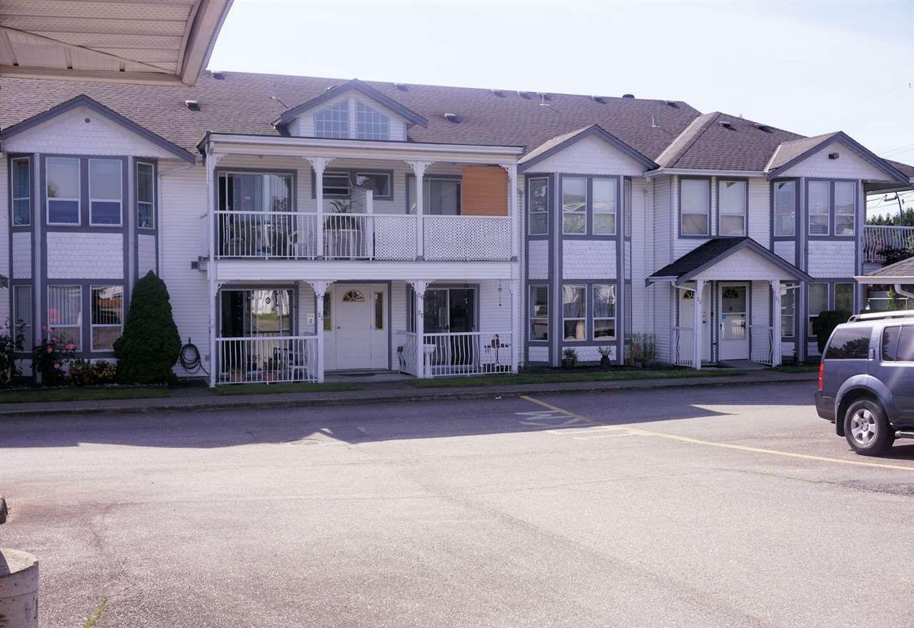 "Main Photo: 22 20554 118 Avenue in Maple Ridge: Southwest Maple Ridge Townhouse for sale in ""COLONIAL WEST"" : MLS®# R2376727"