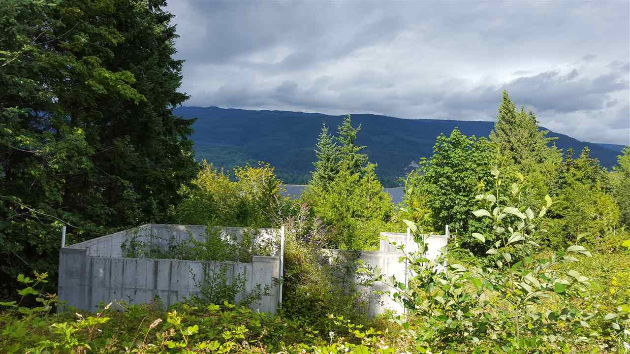 Main Photo: 6200 LOOKOUT Avenue in Sechelt: Sechelt District Home for sale (Sunshine Coast)  : MLS®# R2088542