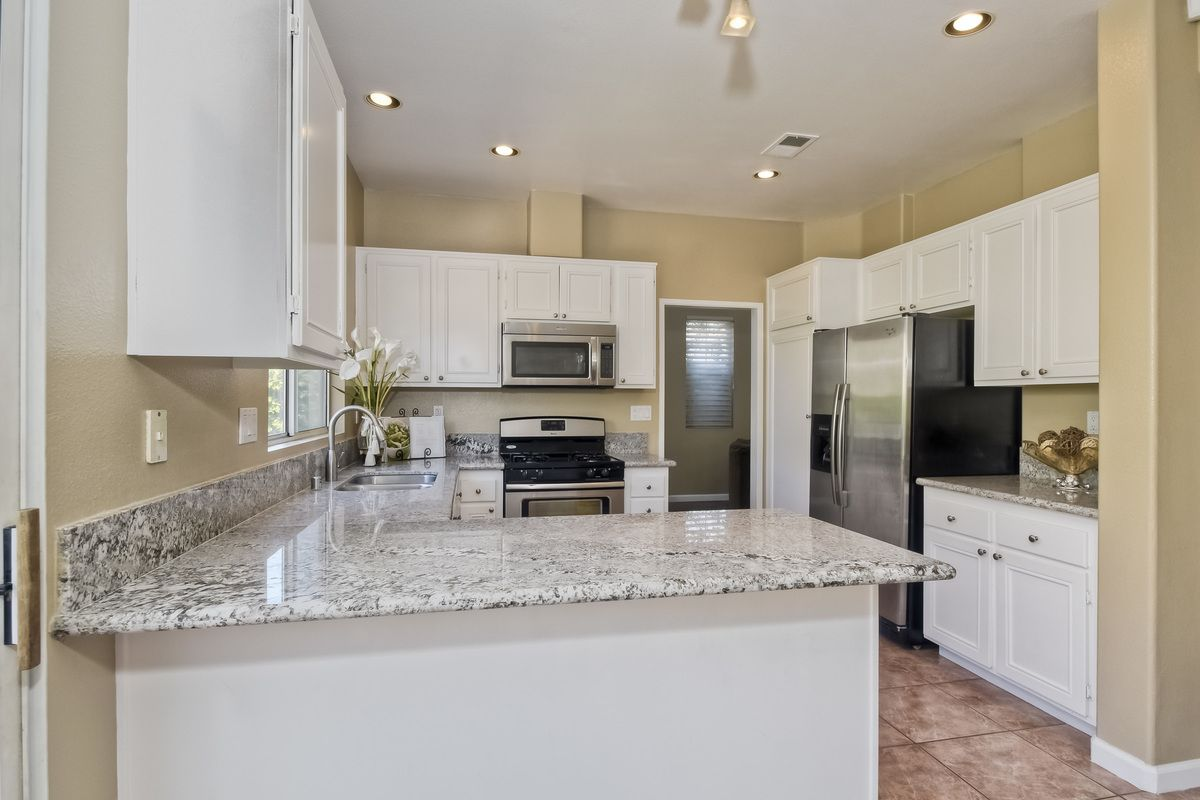 Photo 2: Photos: SCRIPPS RANCH House for sale : 3 bedrooms : 11162 Ivy Hill in San Diego