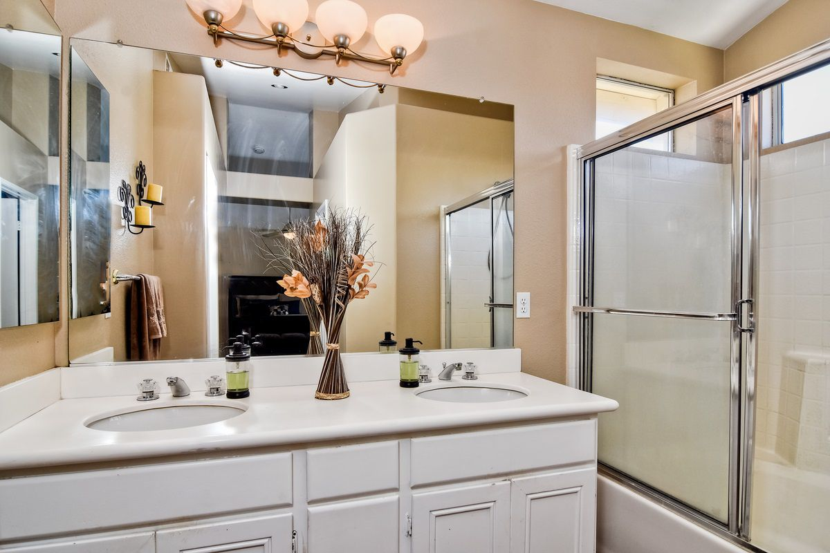 Photo 19: Photos: SCRIPPS RANCH House for sale : 3 bedrooms : 11162 Ivy Hill in San Diego