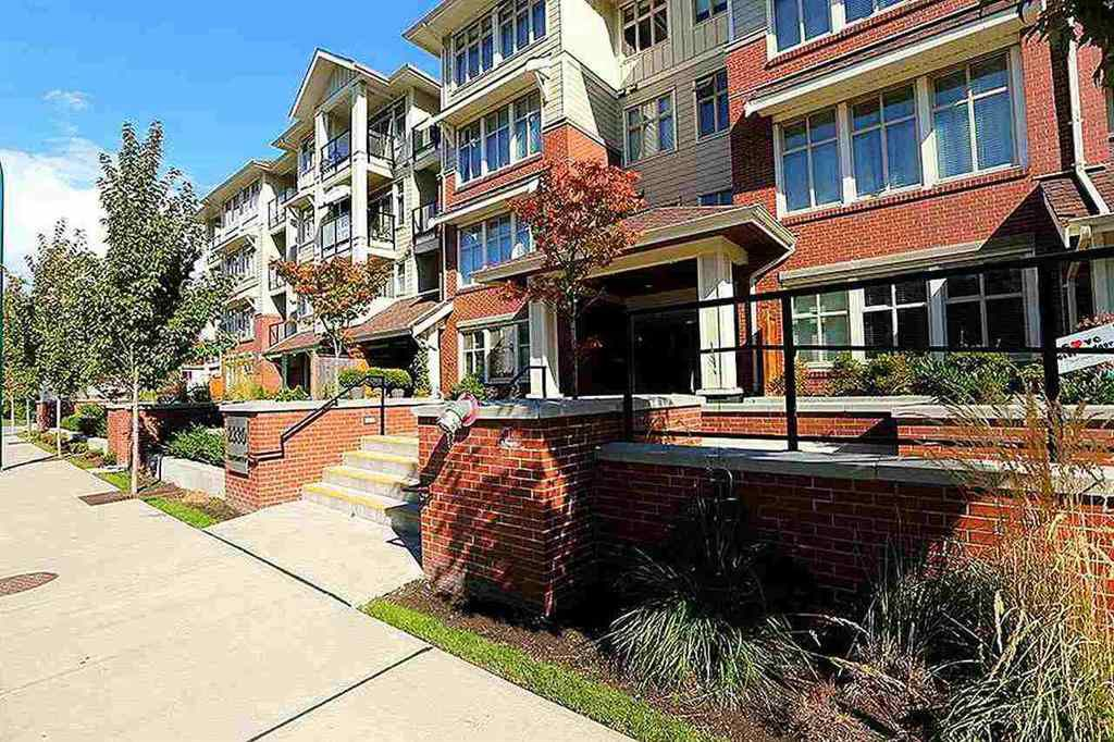 """Main Photo: 307 2330 SHAUGHNESSY Street in Port Coquitlam: Central Pt Coquitlam Condo for sale in """"AVANTI"""" : MLS®# R2194720"""