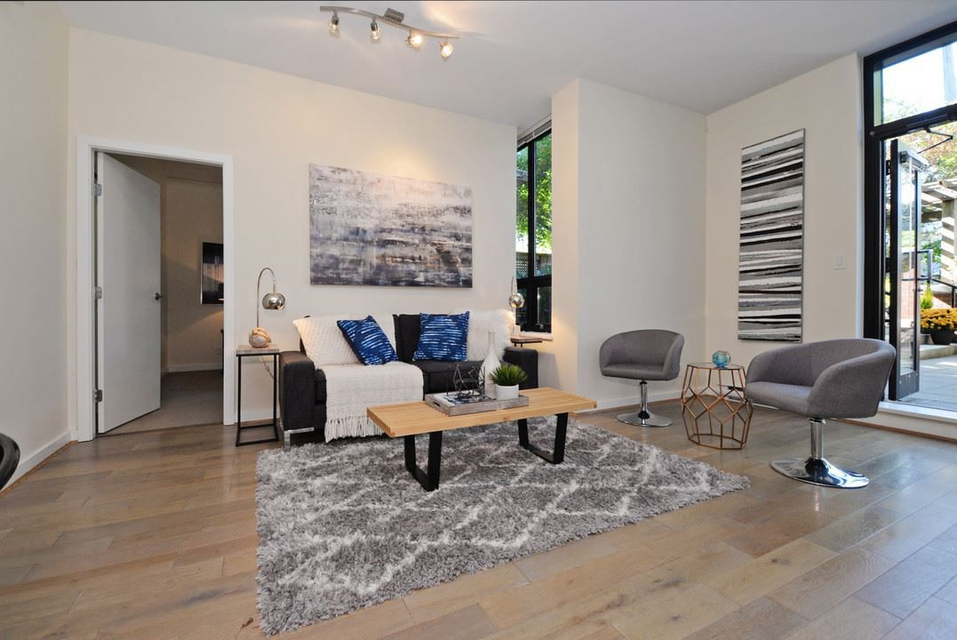 "Photo 3: Photos: 201 531 BEATTY Street in Vancouver: Downtown VW Condo for sale in ""METROLIVING"" (Vancouver West)  : MLS®# R2205943"