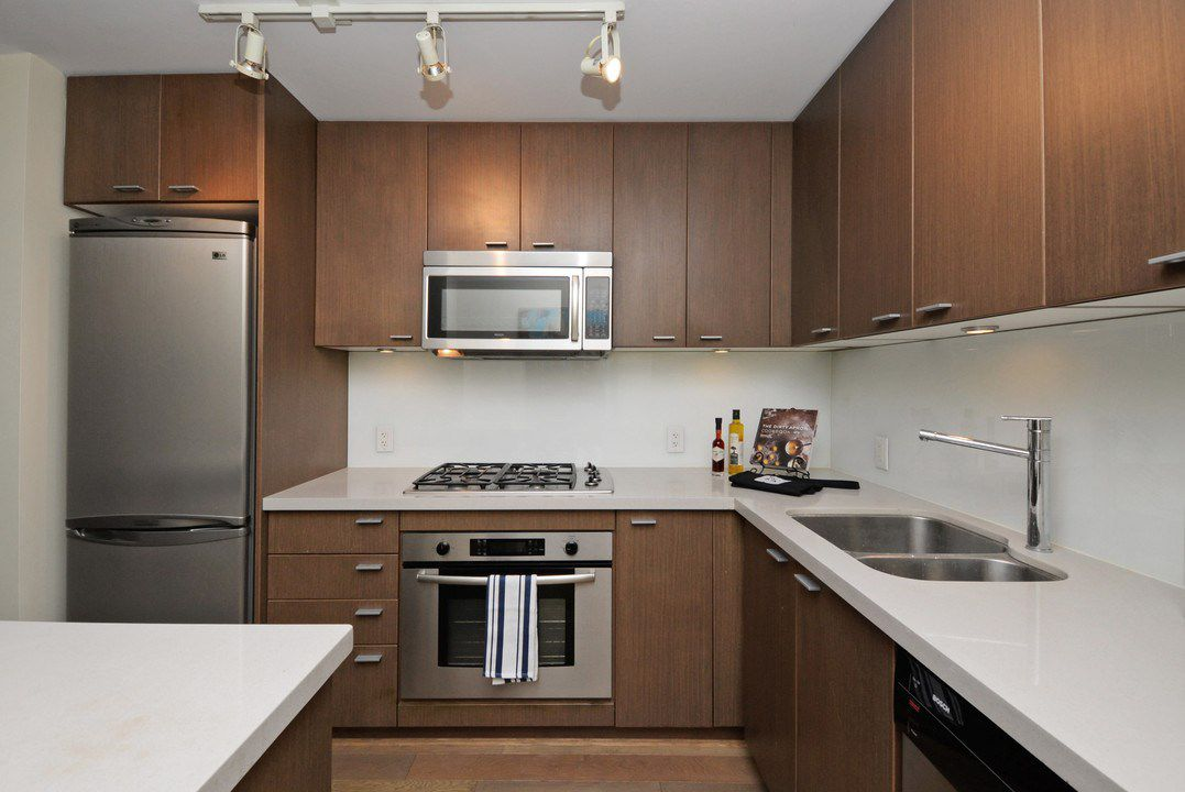 "Photo 9: Photos: 201 531 BEATTY Street in Vancouver: Downtown VW Condo for sale in ""METROLIVING"" (Vancouver West)  : MLS®# R2205943"