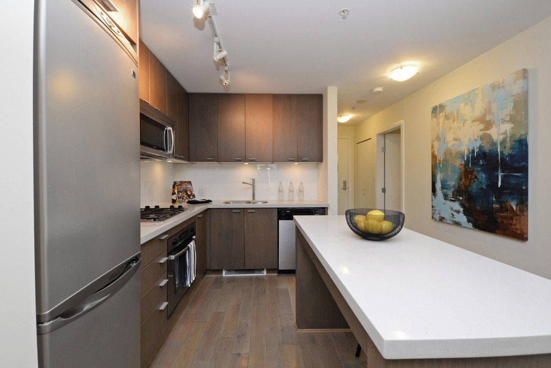 "Photo 8: Photos: 201 531 BEATTY Street in Vancouver: Downtown VW Condo for sale in ""METROLIVING"" (Vancouver West)  : MLS®# R2205943"
