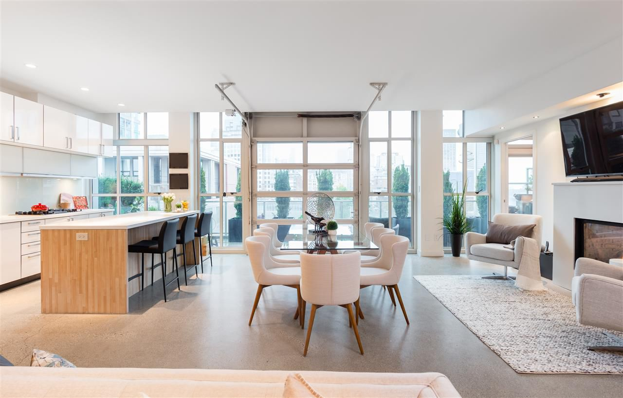 """Main Photo: 701 546 BEATTY Street in Vancouver: Downtown VW Condo for sale in """"The Crane"""" (Vancouver West)  : MLS®# R2216394"""
