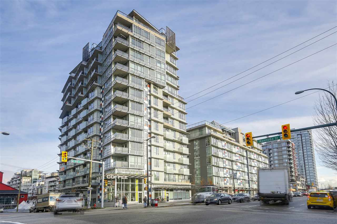 "Main Photo: 1404 89 W 2ND Avenue in Vancouver: False Creek Condo for sale in ""Pinnacle Living False Creek"" (Vancouver West)  : MLS®# R2224818"